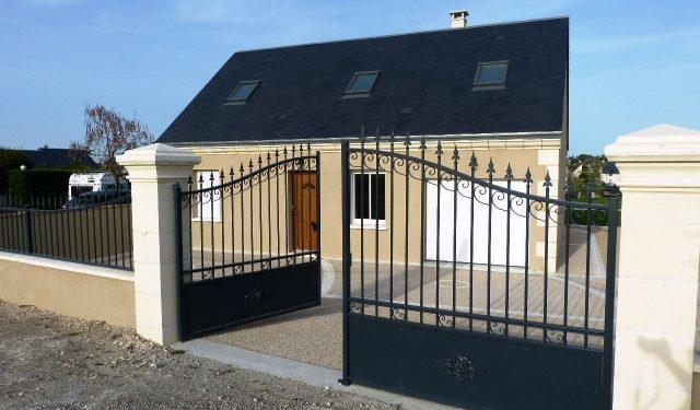 A louer à Montlouis quartier calme, maison de 100 m2. 3 chambres