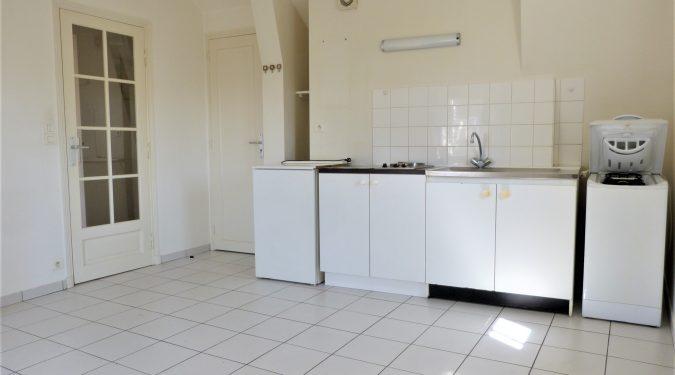 A louer petit type 2 Tours Centre quartier Blanqui Mirabeau par Gautard Immobilier pièce de vie