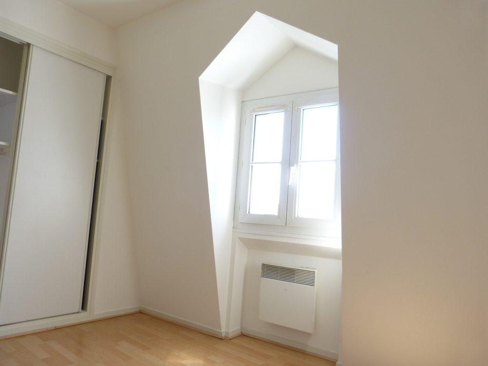 A louer petit type 2 Tours Centre quartier Blanqui Mirabeau par Gautard Immobilier chambre