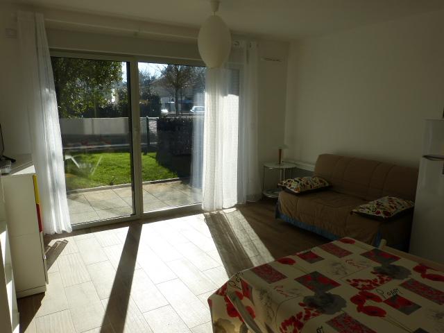 Appartement Type 2 meublé avec garage et parking Tours Nord par Gautard Immobilier pièce de vie