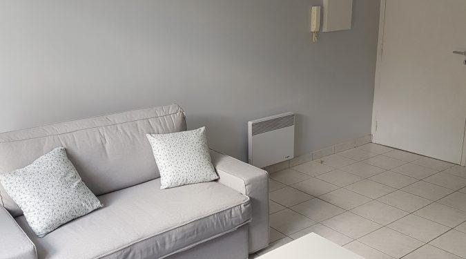 A louer studio meublé Tours centre Quartier Bretonneau par Gautard Immobilier pièce de vie