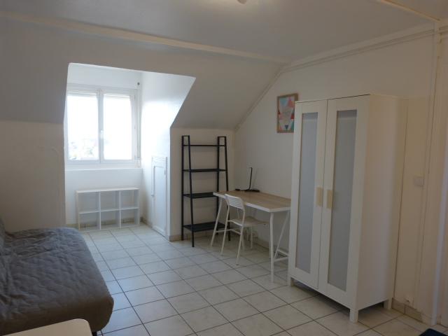 A louer studio meublé Tours centre avenue de Grammont par Gautard Immobilier pièce de vie