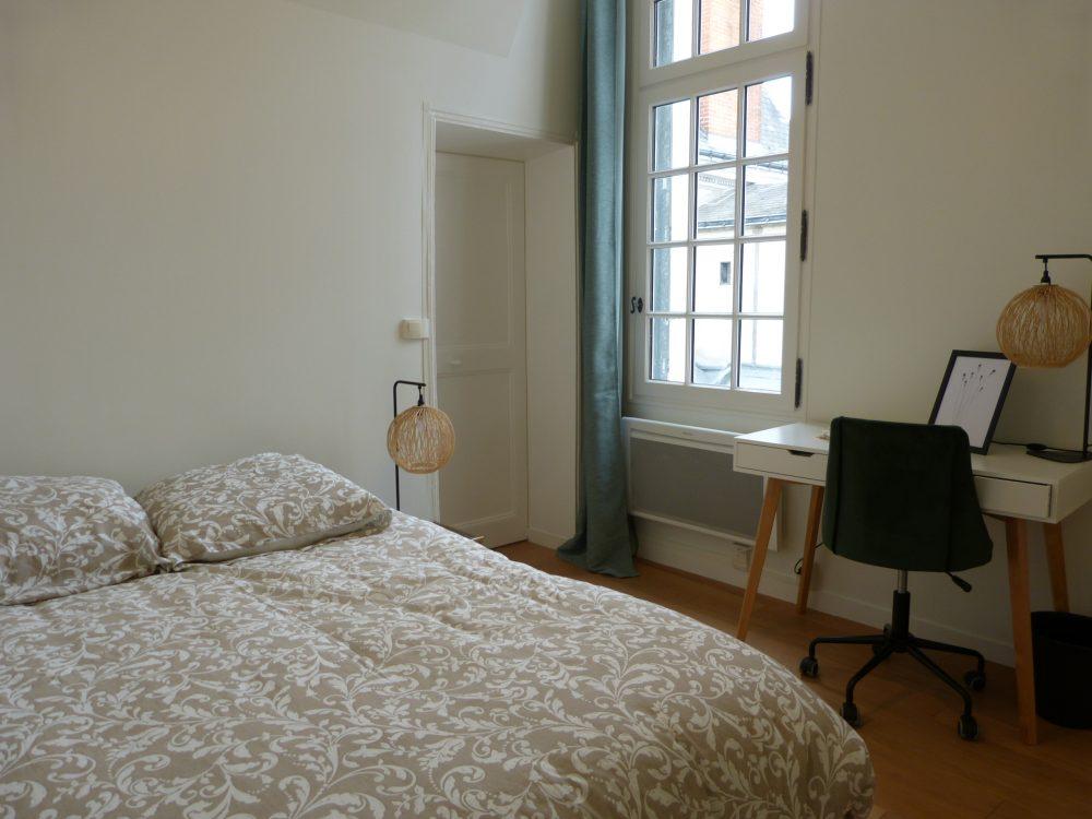 Type 2 meublé Quartier Cathédrale chambre