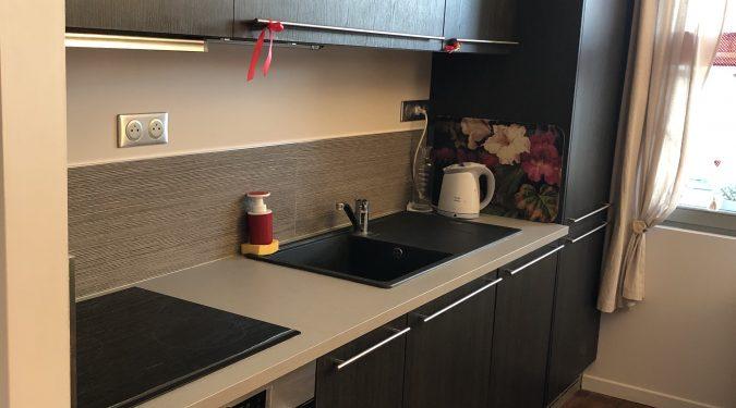 cuisine aménagée et équipée T2 rénové Tours Hyper Centre loué par tours n gestion immo 37