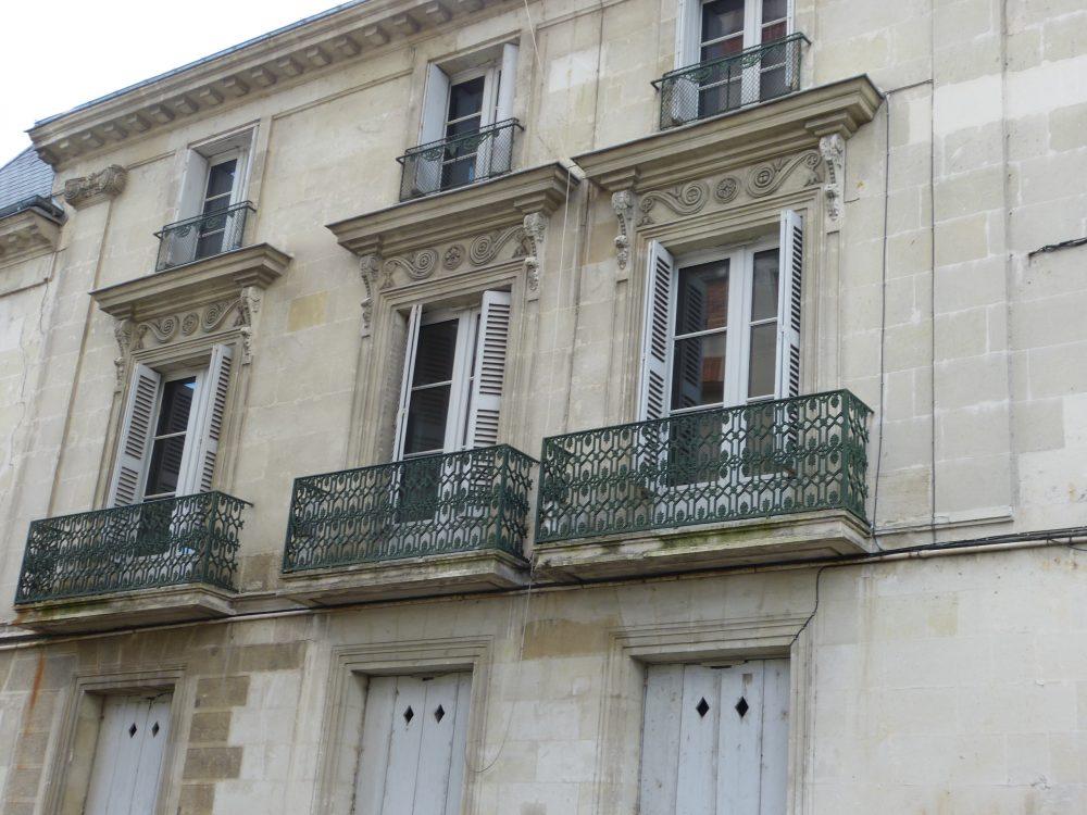 Type 2 meublé quartier Paul Bert loué par Gautard immobilier