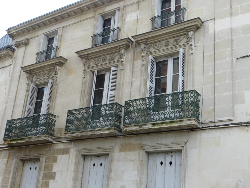 Type 2 meublé Quartier Paul Bert immeuble