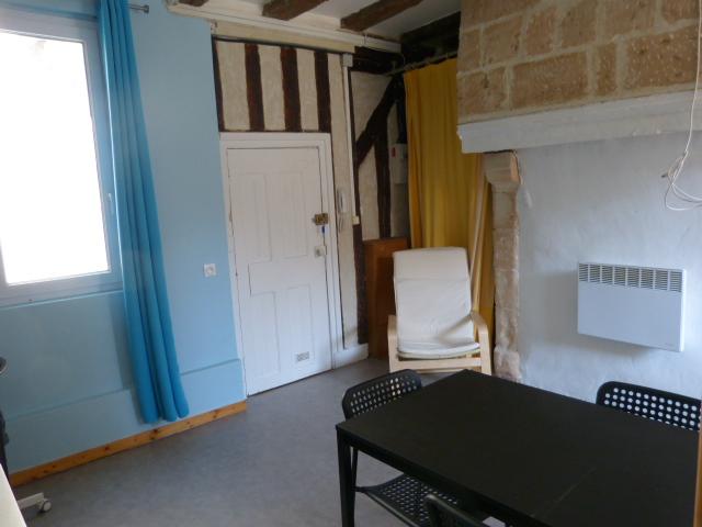 Studio meublé à louer Gautard immobilier