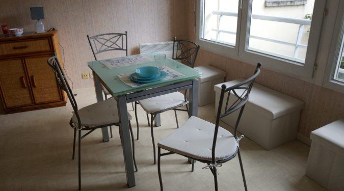 pièce de vie dans un studio meublé à saint avertin loué par tours n gestion immo 37