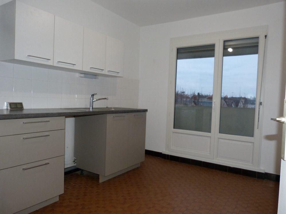 A louer appartement type 4 Tours Gare par Gautard immobilier cuisine