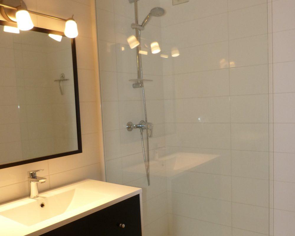 A louer appartement type 4 Tours Gare par Gautard immobilier salle d'eau