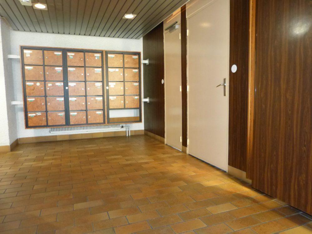 A vendre type 5 centre de Joue les Tours par Gautard Immobilier hall d'immeuble