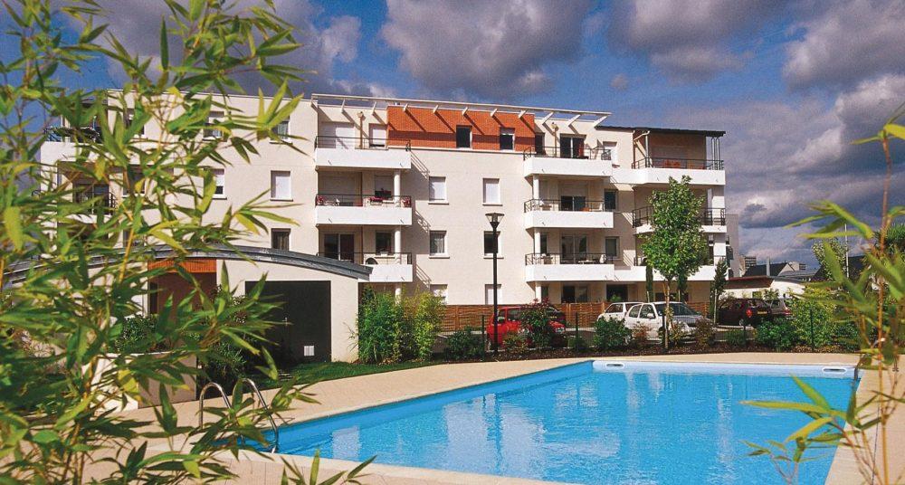 A louer appartement type 3 Quartier des deux Lions par Gautard Immobilier piscine