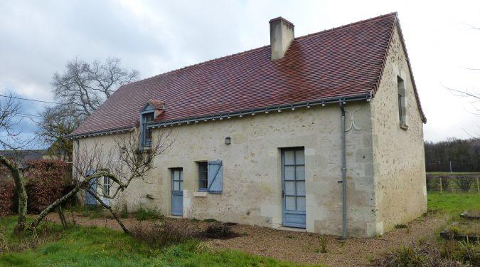 A louer maison Saint Antoine du Rocher par Gautard Immobilier vue extérieure