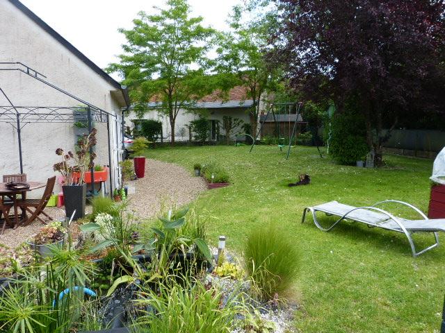 A louer maison type 3 proche du bourg de Savonnières par Gautard Immobilier jardin