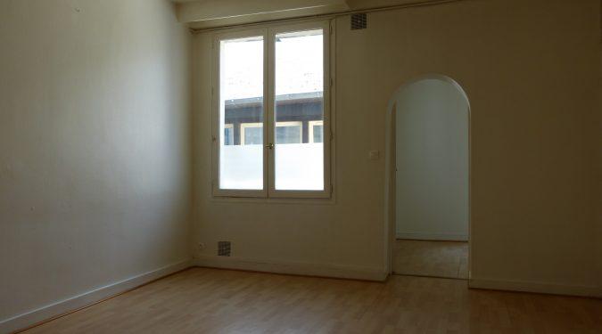 A louer Type 2 Tours Centre Quartier des Halles par Gautard Immobilier séjour
