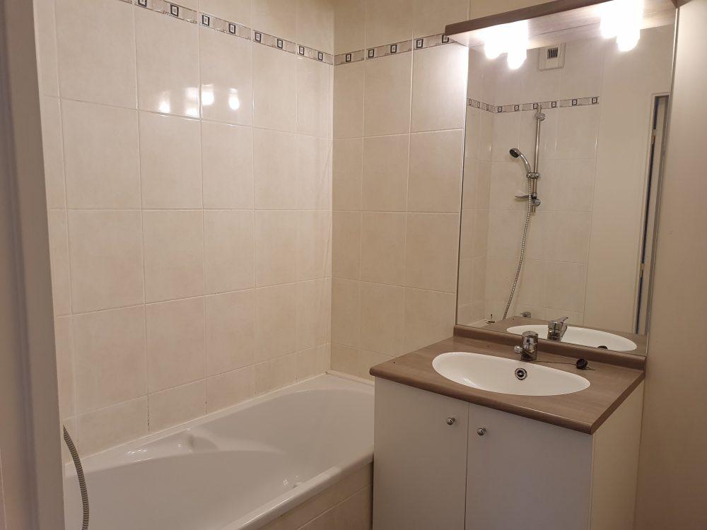 A vendre appartement type 3 Tours Nord par Gautard Immobilier salle de bains