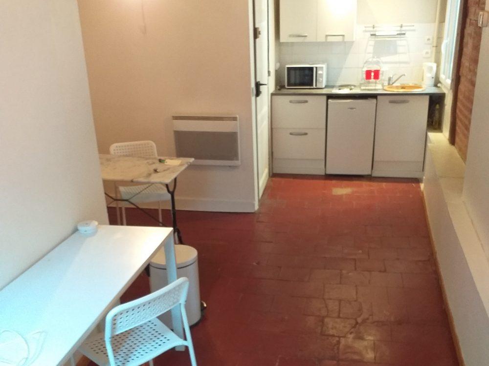 A louer studio meublé Tours centre proche fac de lettres par Gautard Immobilier pièce de vie