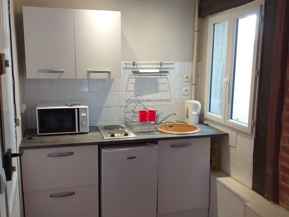 A louer studio meublé Tours centre proche fac de lettres par Gautard Immobilier cuisine