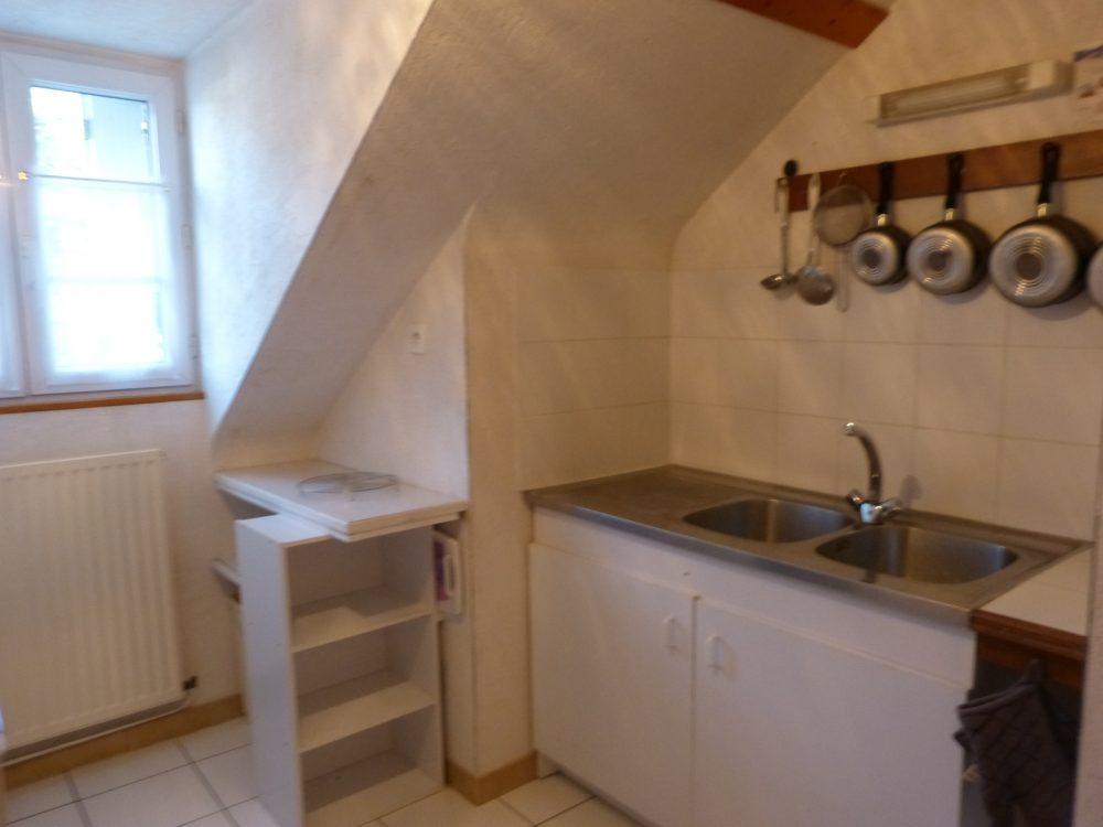A louer studio meublé entre Parcay-Meslay et Rochecorbon par Gautard Immobilier cuisine