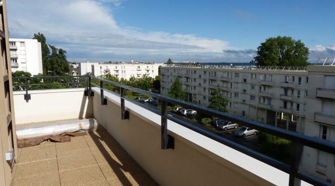 A louer type 2 avec terrasse et parking Tours Nord par Gautard Immobilier terrasse
