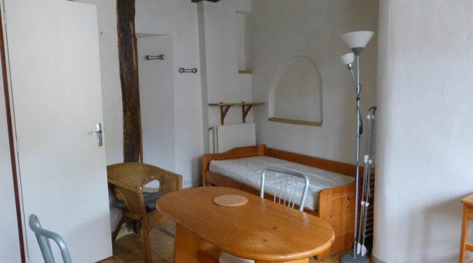 A louer studio meublé dans le centre de Parcay-Meslay par Gautard Immobilier pièce de vie