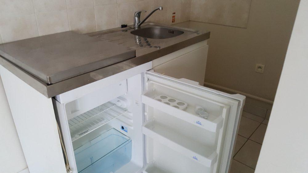 A louer appartement type 2 Quartier Giraudeau par Tours'N Gestion kitchenette